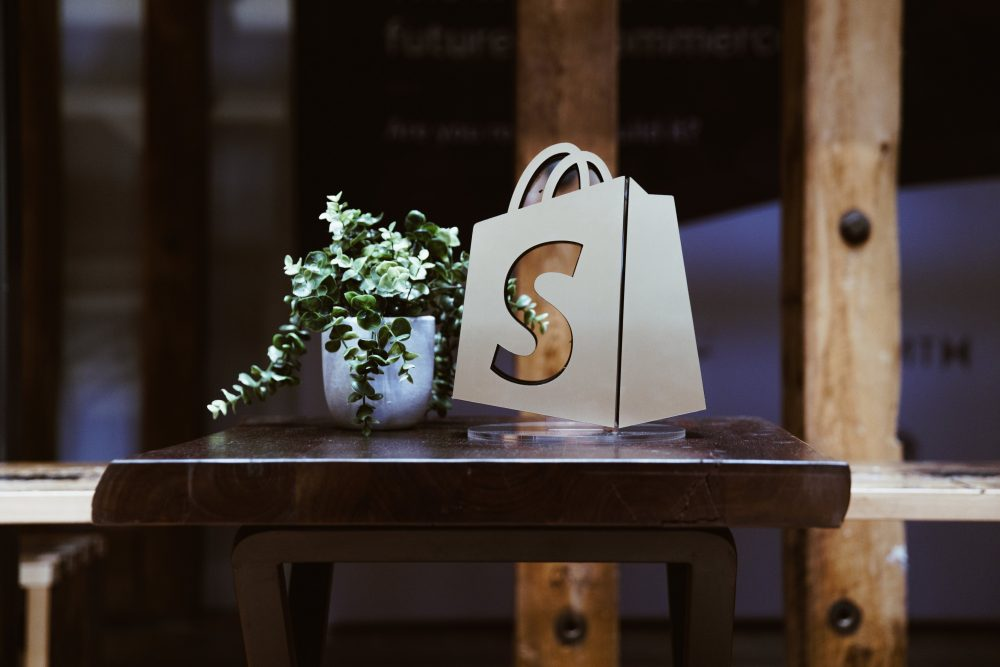 Shopifyの成長がすごい!日本での利用動向と新規出店の伸び率に注目